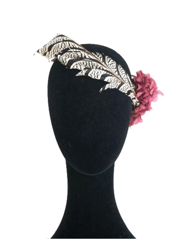 Tiara de plumas de faisán y hortensias azules de Lamatte