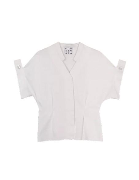 Blusa blanca con botones nacarados