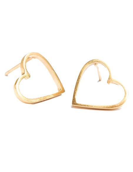Heart-shaped earringsin gold