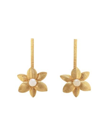Long golden earrings in the shape of a flower - Sofia