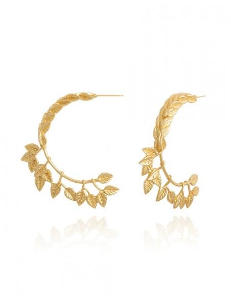 Pendientes aro dorado detalle hojas invitada boda lavani