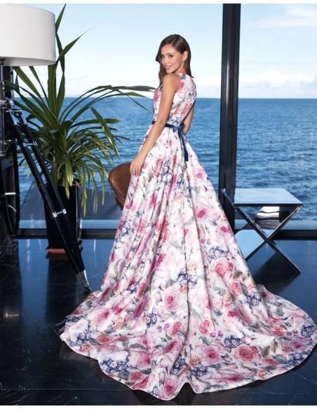 Vestido de fiesta largo con estampado de flores y cuello halter para invitadas