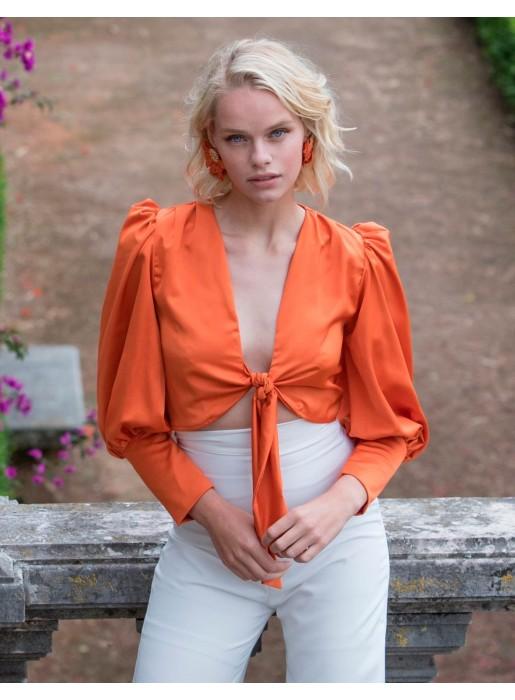 Blusa de fiesta blanca con lazo delantero naranja invitada boda