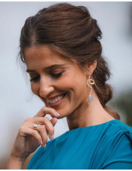 Long earrings with golden serpentine and white semi-precious stone - Invitada Perfecta LAVANI - 2