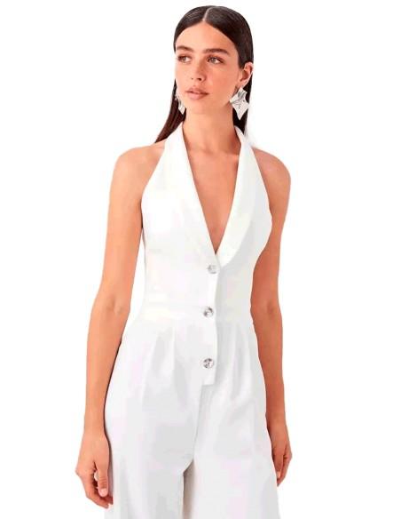 White dress party suit at INVITADISIMA