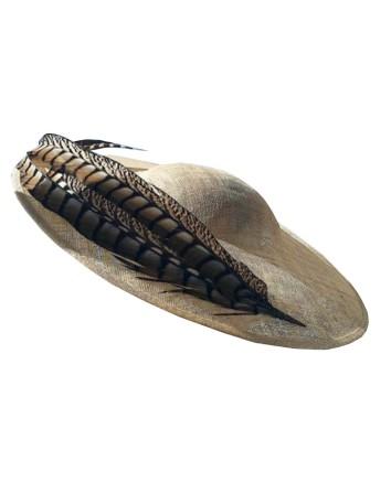 Pamela sinamay natural con plumas extra grandes de faisán de Belén Antelo