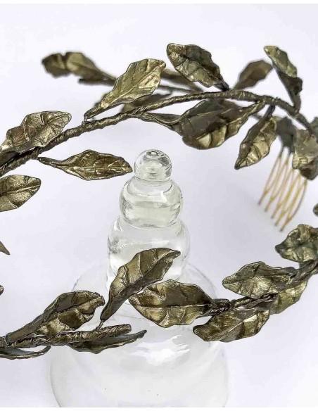 Corona de hojas de porcelana para fiesta