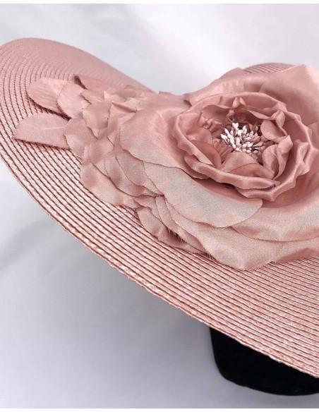 Pamela nude en paja sintética y flor de seda para fiesta