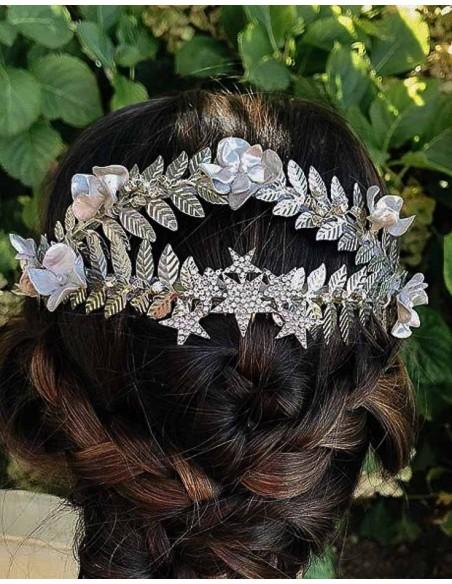 Tocado joya en plata para invitada a boda de día