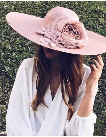 Pamela nude en paja sintética y flor de seda para invitadas