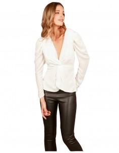 blusa blanca escote v nudo manga larga frunce