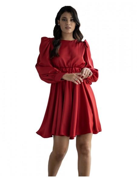 Vestido de fiesta rojo evasé con manga larga de MAUI