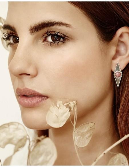 Eme Jewels diamond earrings at INVITADISIMA.
