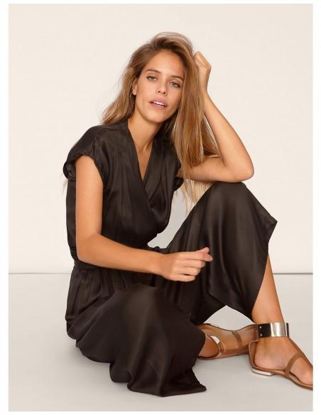 fluid wide black trousers high waist waist folds