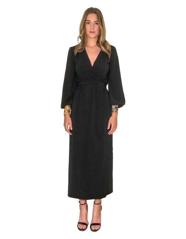 Vestido en crep negro de CoCo VeVe