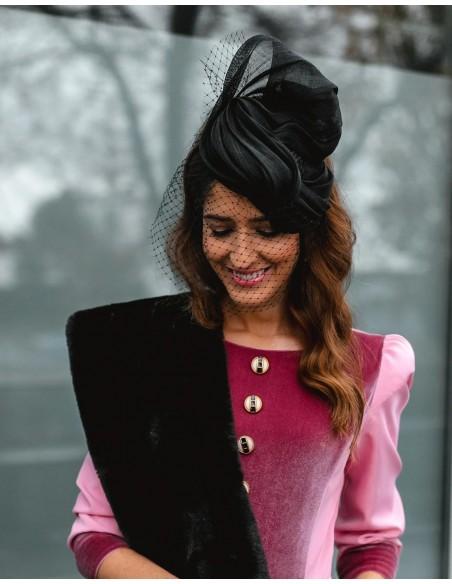 Sinamay black vintage style headdress with short veil Cala by Lilian - 1