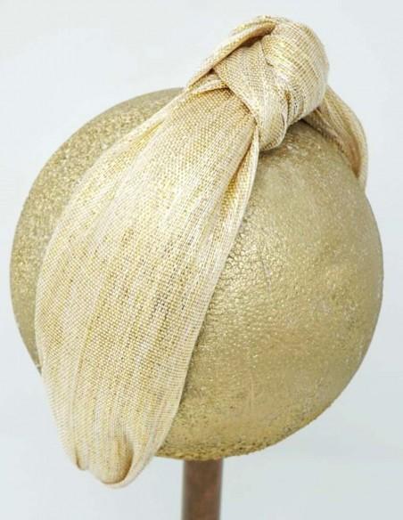 Diadema turbante en tonos dorados para invitadas