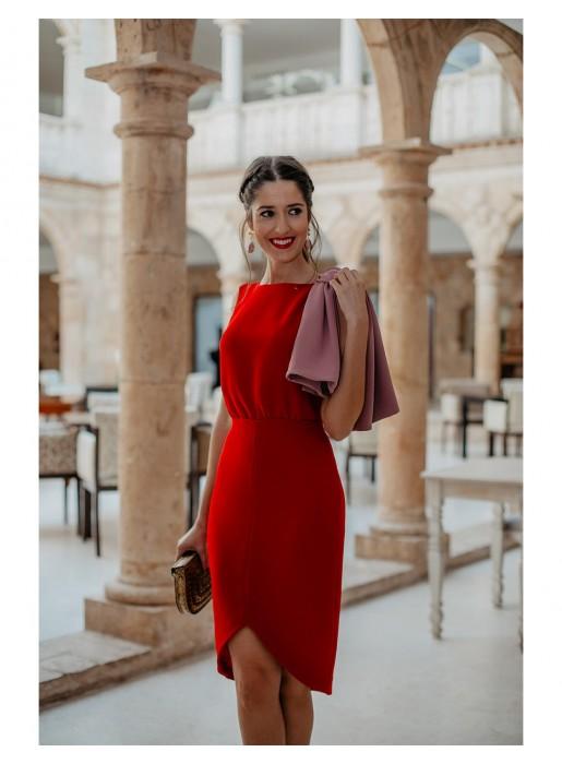 influencer vestido fiesta rojo rosa volante detalle evento