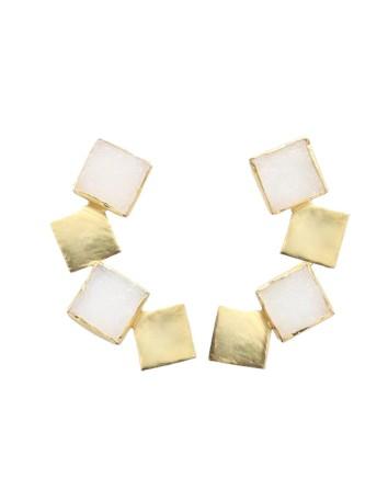 Pendientes largos dorados con piedras drusas blancas de Acus Complementos