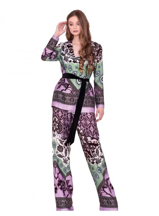 Conjunto chaqueta y pantalón estampada de nuribel style