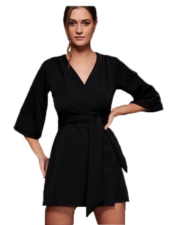 kimono negro con cinturón para invitadas