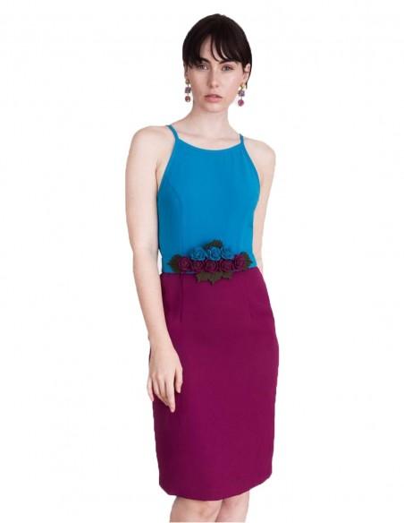 Vestido de cóctel color block con cinturon de flores de Lauren Lynn London  - INVITADISIMA