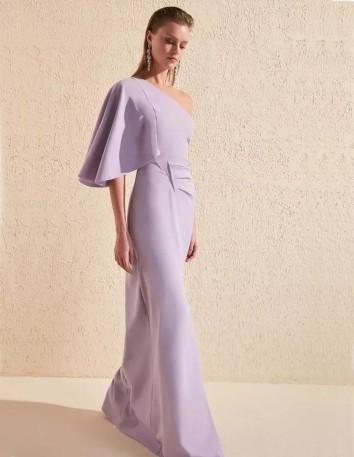 vestido de fiesta largo de color lila invitada perfecta
