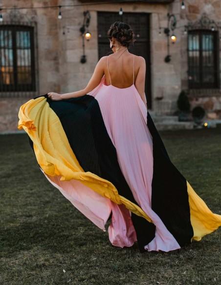 Long tricolour dress by Nuribel Style at INVITADISIMA nuribel - 2