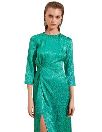Vestido de cóctel verde estampado con manga francesa
