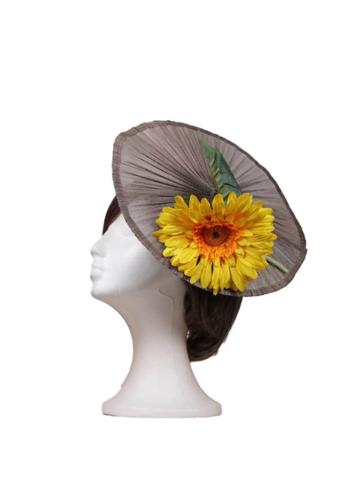 Sunflower pleated headdress by Luisa Monzón