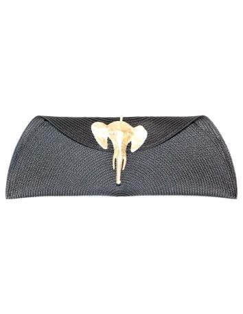 Cartera de rafia con broche de elefante de Carmen Fernandez Complementos