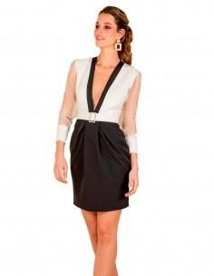 Vestido cóctel blanco y negro con manga de plumeti de Cayro