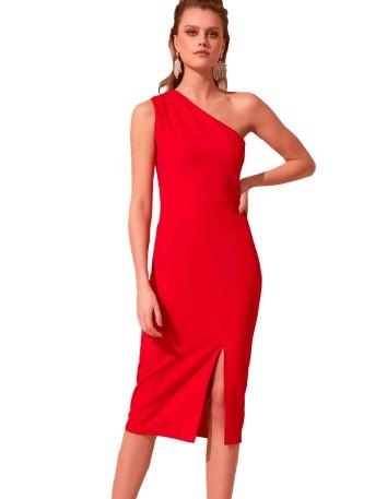 Vestido de fiesta ajustado con escote asimétrico y abertura