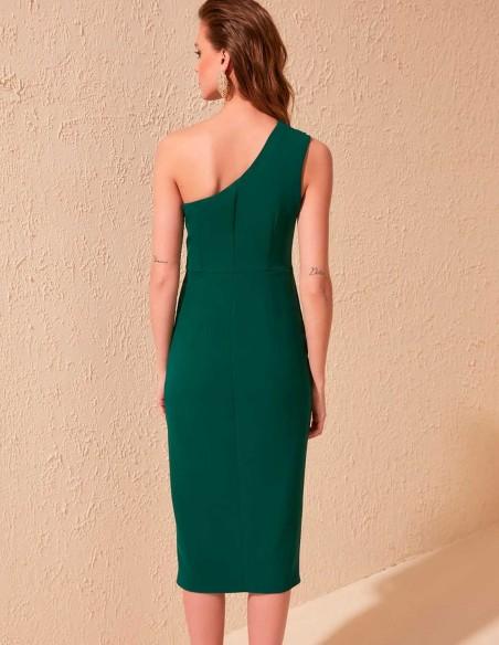 Vestido de cóctel ajustado con escote asimétrico y abertura en la falda trasera verde