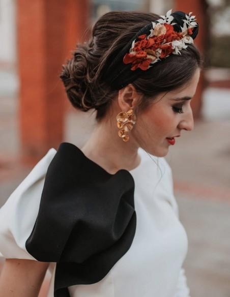 Black headband with orange preserved hydrangea - INVITADA PERFECTA Cala by Lilian - 1