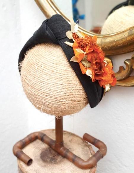 Black headband with orange preserved hydrangea - INVITADA PERFECTA Cala by Lilian - 4