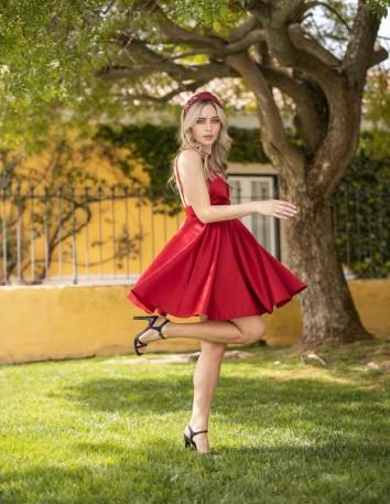 vestido fiesta corto rojo tirantes escote espalda boda