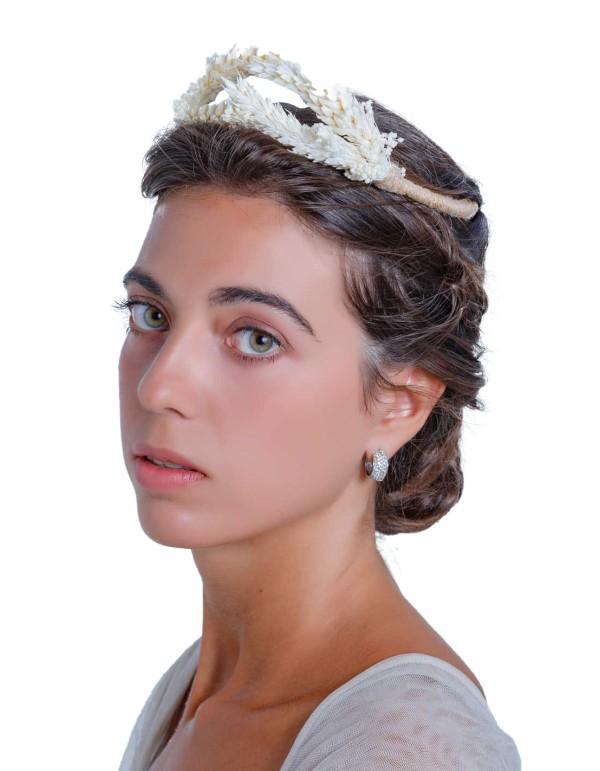 Tiara de novia con semillas naturales preservadas de Margarita Sangiovanni