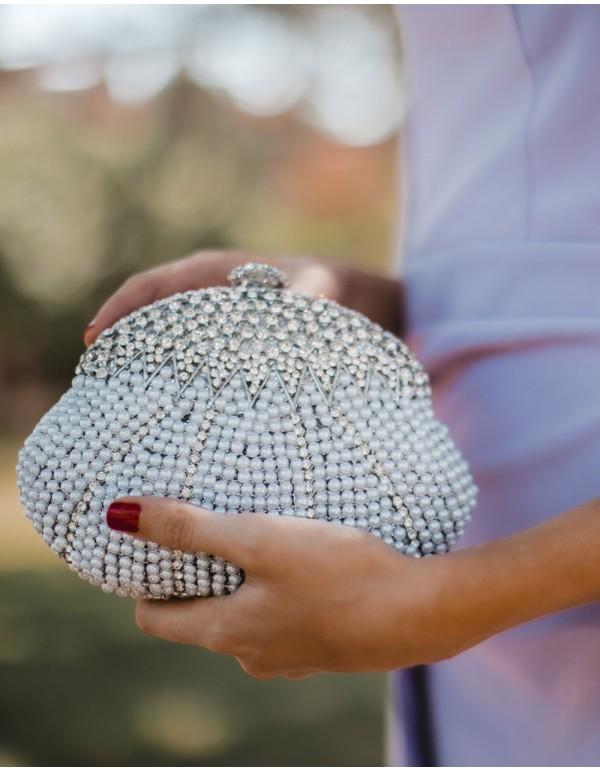 Clutch de fiesta con forma concha y cristales de Swarovski plata - Invitada Perfecta