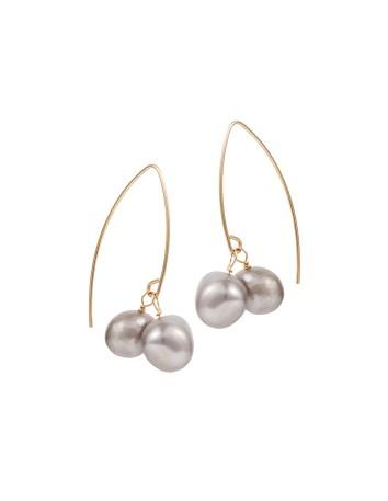 Pendientes de fiesta de dos perlas grises en INVITADISIMA