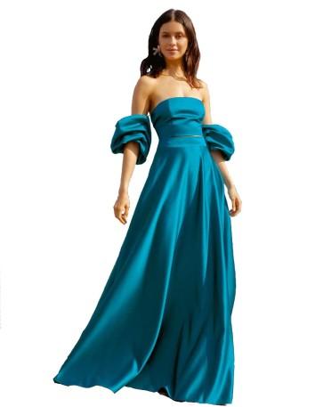 Long high-waisted skirt and side pockets at INVITADISIMA
