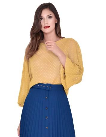 Blusa color mostaza con mangas abullonadas