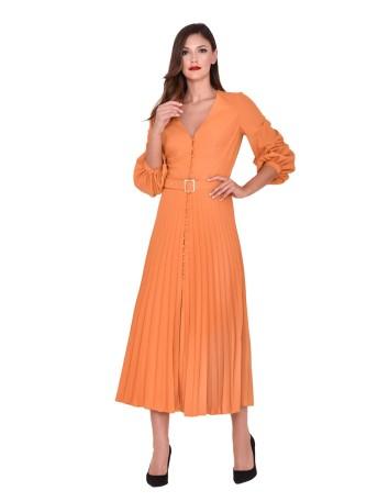 Vestido de cóctel con diseño de falda larga plisada en INVITADISIMA