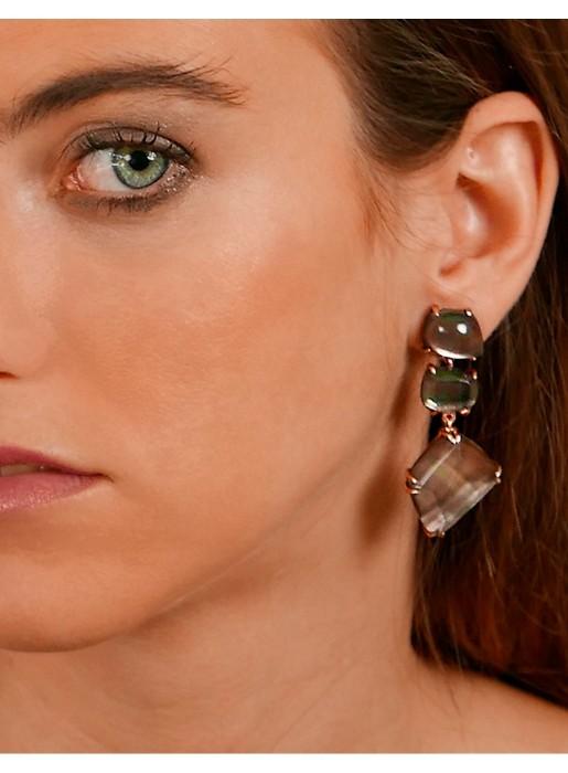Apollo earring with black mother of pearl and quartz at INVITADIISMA