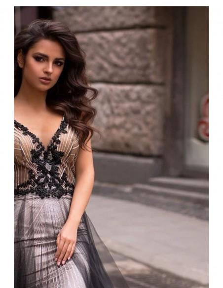 Vestido de fiesta largo tricolor con escote en V y falda de tul Pollardi Fashion Group - 3