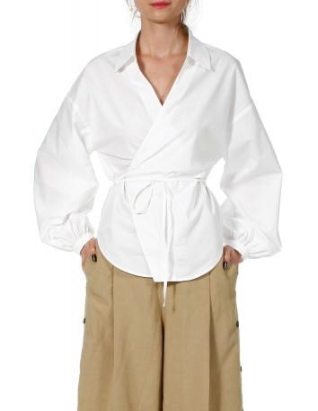 Camisa blanca con escote en V y mangas abullonadas en INVITADISIMA