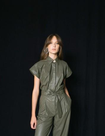 Vestido de manga corta efecto piel verde caqui Elsa Barreto - 3