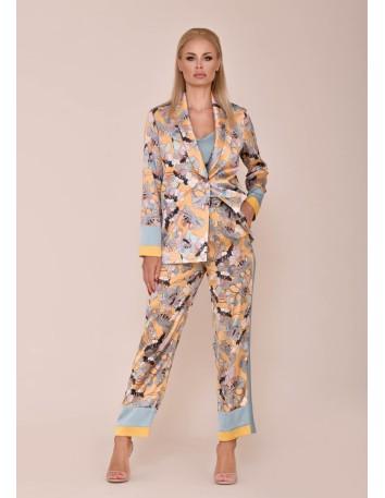 Conjunto chaqueta de manga larga y pantalón largo con estampado