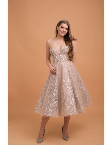 Vestido corto de fiesta con escote corazón y bordado de hojas metálicas