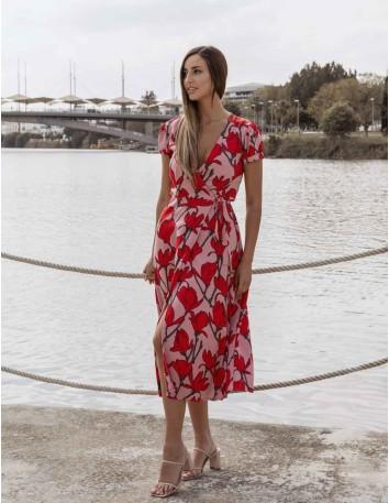 Vestido midi cruzado con estampado de rosas rojas y manga corta
